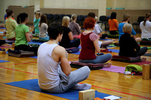 corporate-workplace-yoga-wellness-brisbane-debby-lewis-services-classes