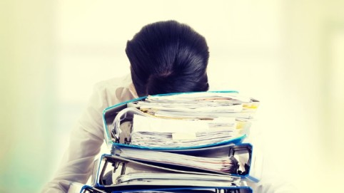 corporate-yoga-brisbane-debby-lewis-3 steps to reduce workplace stress with mindfulness